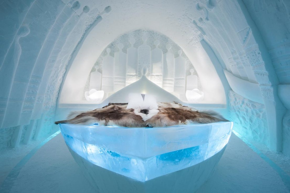 Daily Travellers is a room at the ICEHOTEL Sweden, and refers to the boat journey by refugees across the Mediterranean