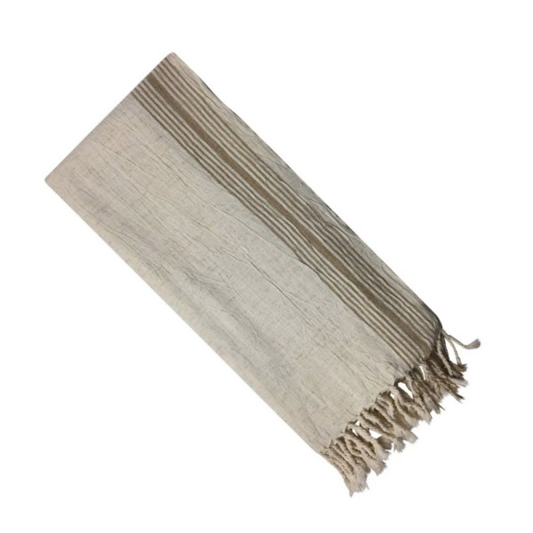 Thin Turkish towel and wraparound scarf by Luks Linen in 100% cotton. Quick drying and easily fits in carry on luggage, making it perfect a practical, ethical and stylish travel companion!