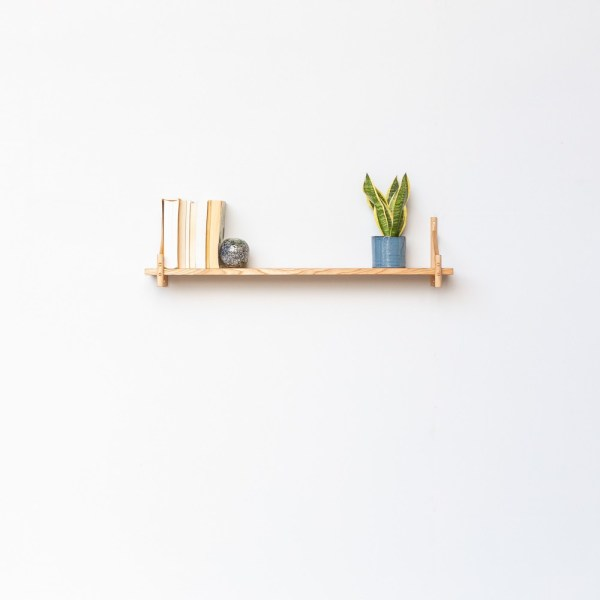 Single wall shelf, ideal for books, plants and decorations. You can buy components individually or as sets, in a large or small size (15 or 20cm deep).