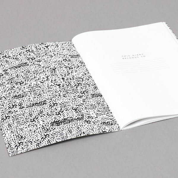 2019 diary in monochrome design with a month to view and plenty of pages at the back for notes, sketches and doodles. 22x16cm