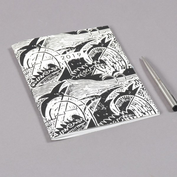 2019 diary in monochrome design with a month to view. 48 stylishly designed pages. 22x16cm