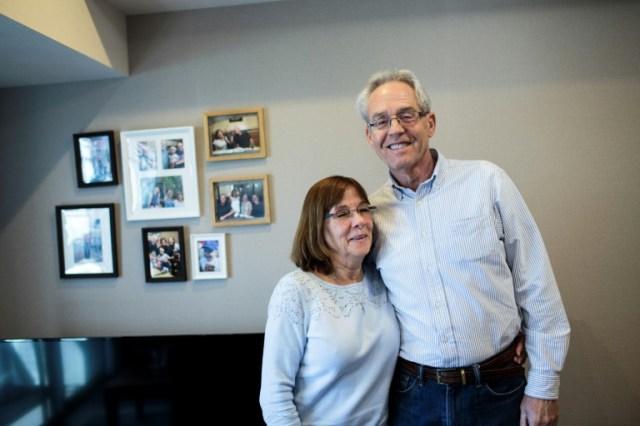 Greg Kelly et son épouse Donna, à Tokyo le 6 février 2020 (AFP - Behrouz MEHRI)