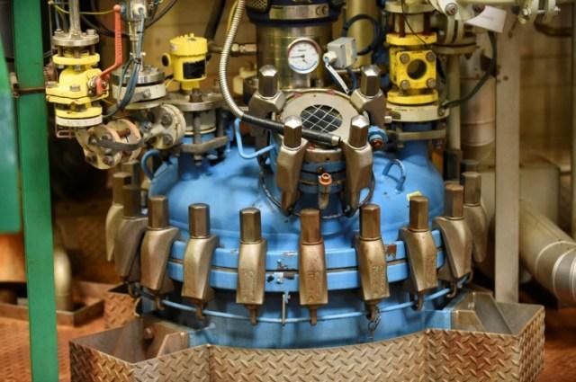 Une installation de production de principes actifs dans le laboratoire Seqens, à Porcheville le 9 juillet 2020 (AFP - ERIC PIERMONT)