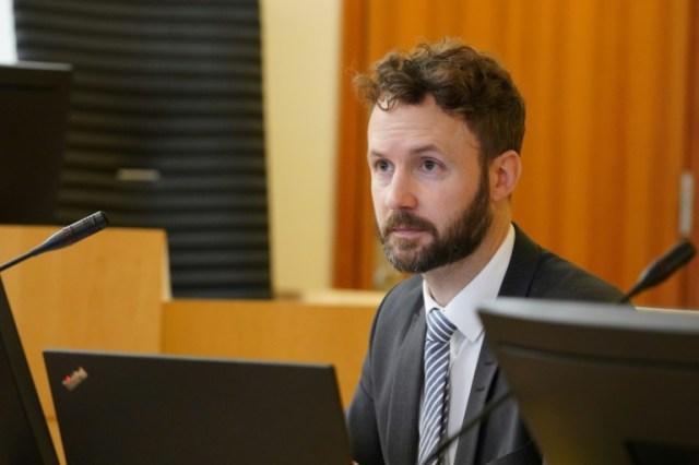 L'avocat d'un des tireurs présumés de l'attentat de la rue des Rosiers, Kenneth Meland, le 10 septembre 2020, avant sa rencontre avec le suspect à Oslo  (NTB Scanpix/AFP - Ole Berg-Rusten)