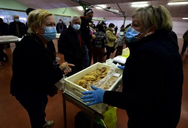Traditionnel marché au foie gras du lundi à Samatan (Gers) le 9 novembre 2020 (AFP/Archives - GEORGES GOBET)
