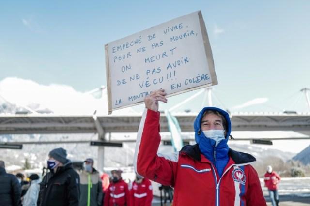 Manifestation le 2 décembre 2020 à Bourg-Saint-Maurice contre la fermeture des remontées mécaniques (AFP/Archives - OLIVIER CHASSIGNOLE)