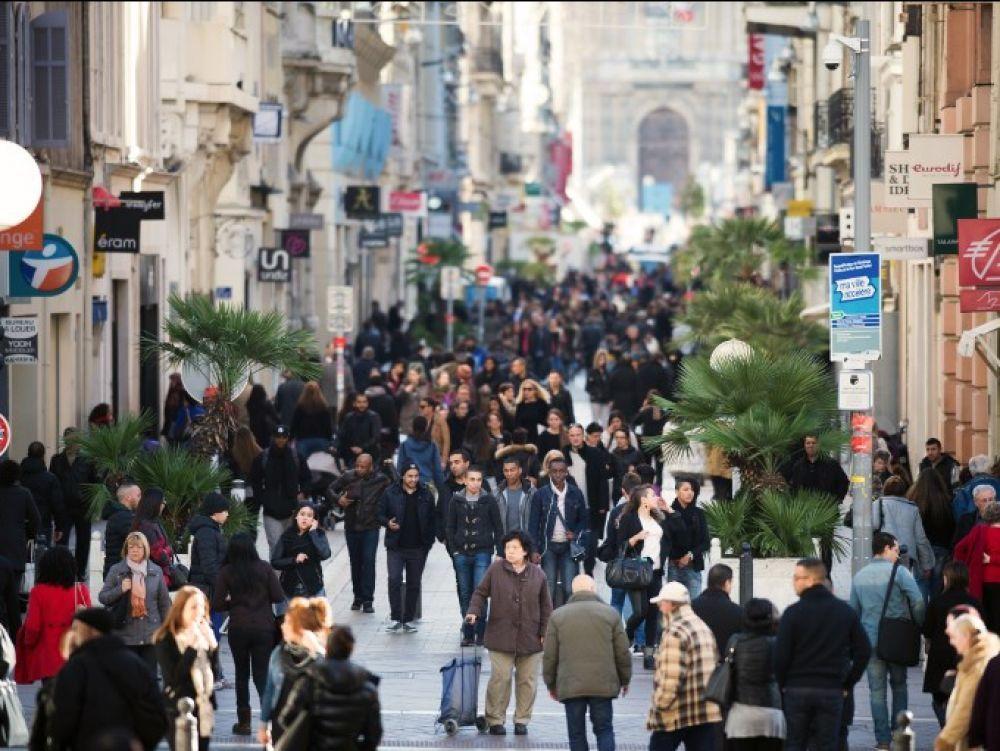 Une rue commerçante à Marseille