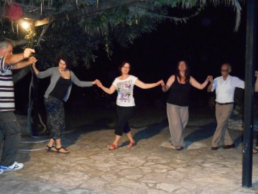 chamaloni-cottages-dance