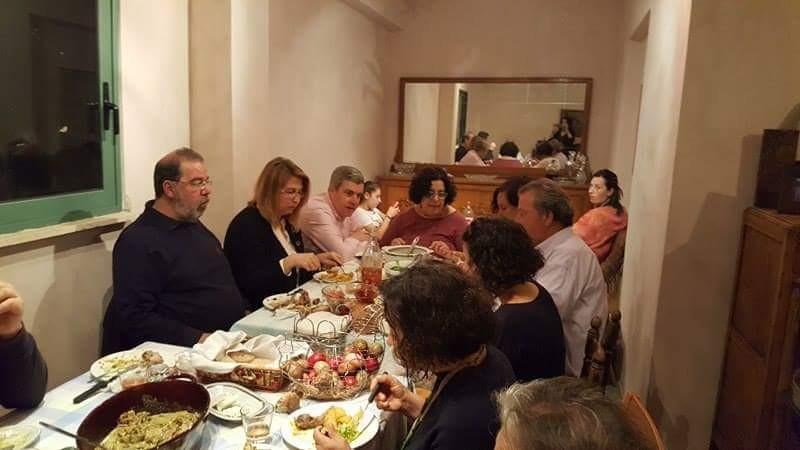 easter-dinner-chamaloni-cottages
