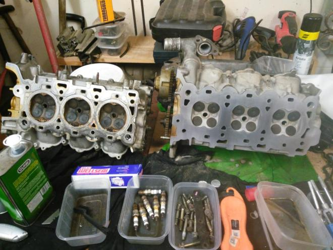 Comparison between not touched and work in progress cylinder head