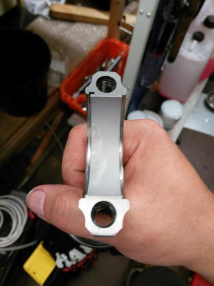 Rod bearing installation detail for S-type V6