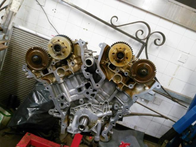 S-type v6 front of engine (no cover) with both heads in place