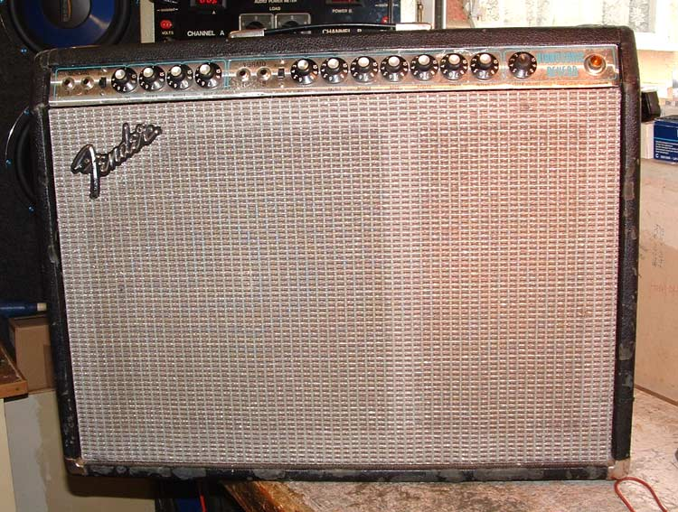 Servicing A Fender Vibrosonic Reverb Amp