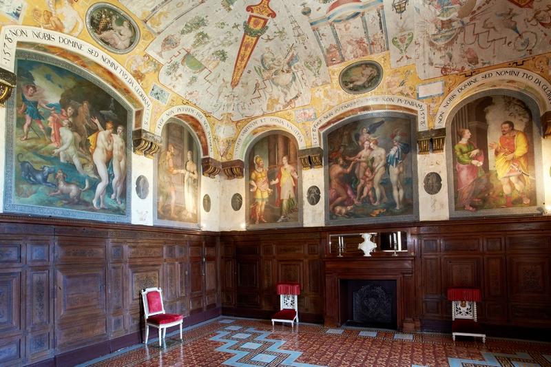 Chateau dAncyLeFranc  Chambres dhtes en Bourgogne