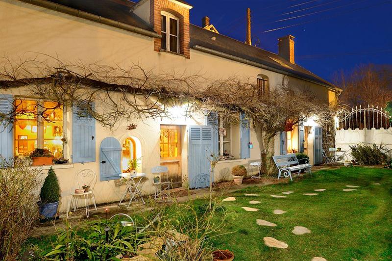 A LOmbre Bleue Mittainville Yvelines Ile De France