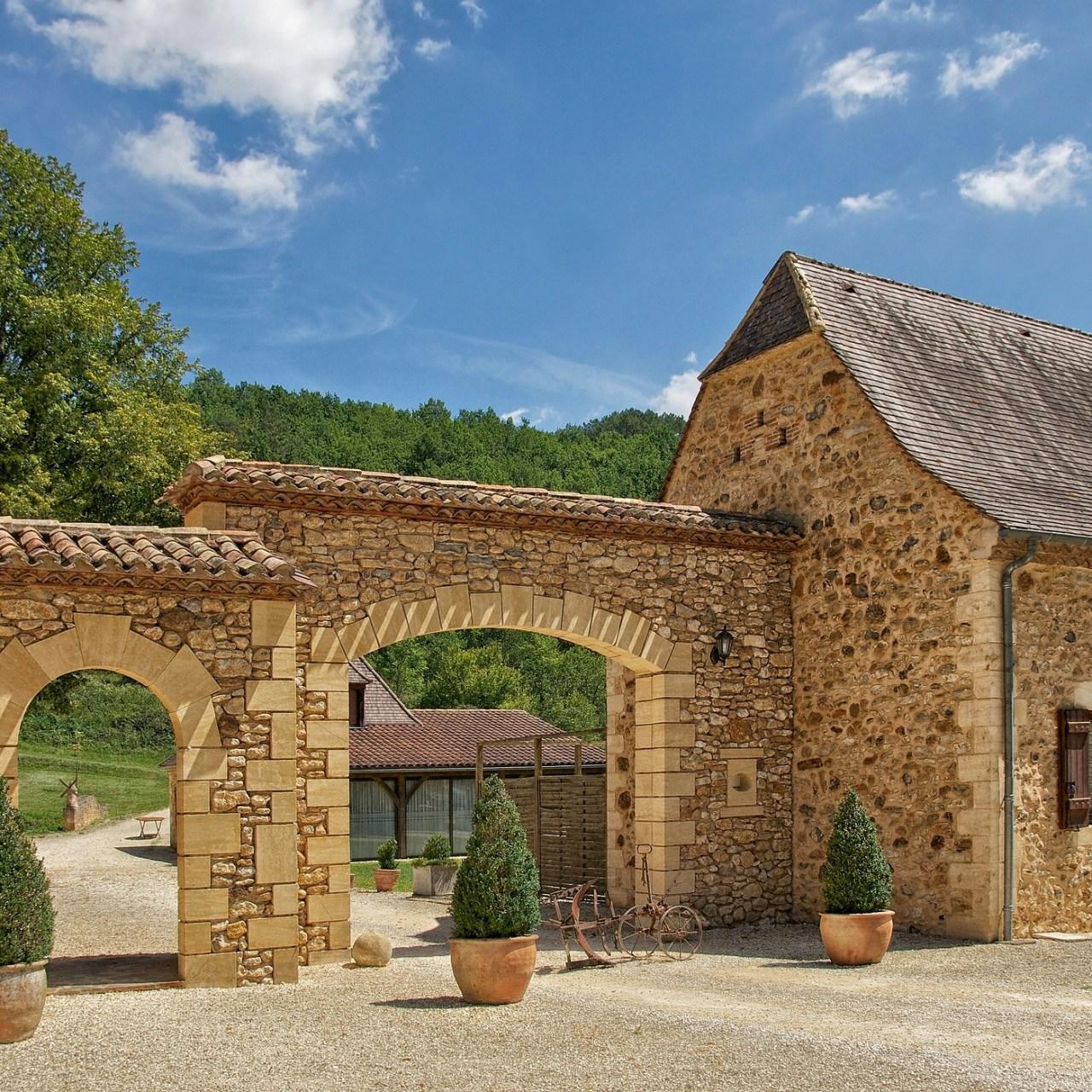 Dordorgne landhuis met een poort Chambres d'Hôtes zoeken