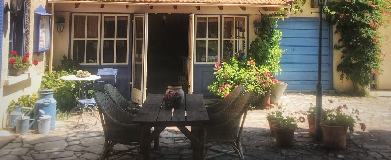 https://i0.wp.com/www.chambresdhoteszoeken.nl/wp-content/uploads/2021/04/huis-terras-1-e1618735327684.jpg?resize=1272%2C521&ssl=1