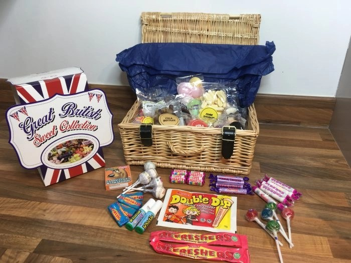 Christmas gift guide for foodies sweet hamper