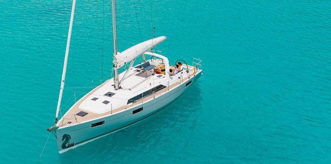 Luxury Yacht for your honeymoon