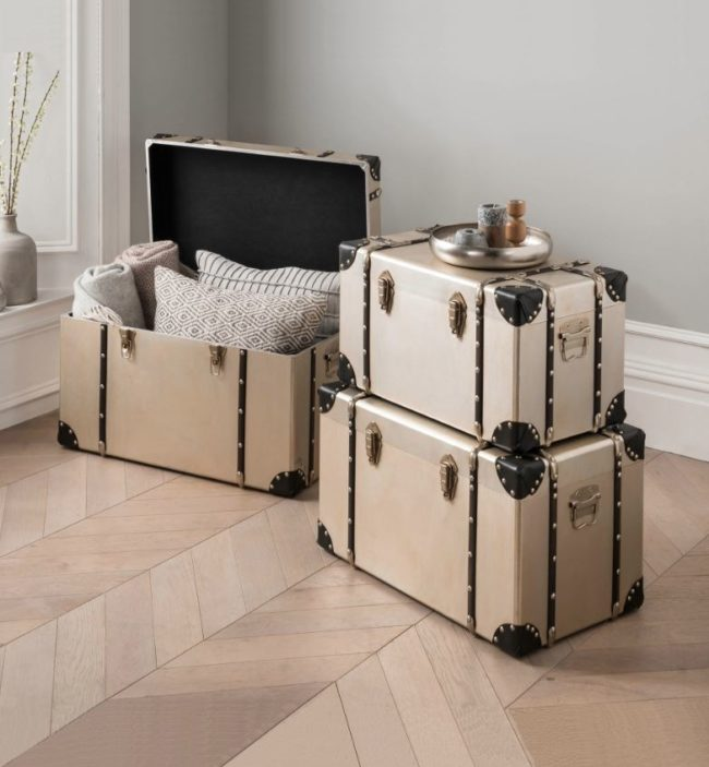 storage trunks