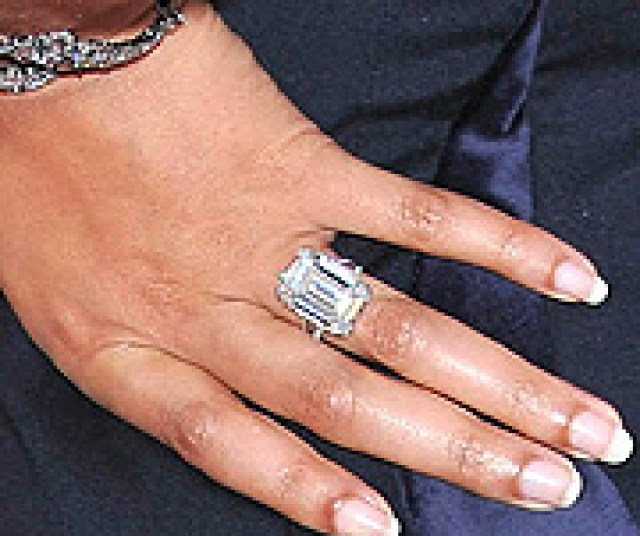 lorraine schwartz 18 carat emerald cut flawless diamond ring - Beyonce Wedding Ring