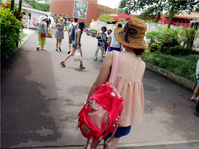 ibaobao輕旅行♥我的Doughnut櫻桃泡泡馬卡龍包開箱 – 顏小千的跑跳人生