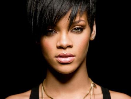 Mandan equipo Swat a la casa de Rihanna
