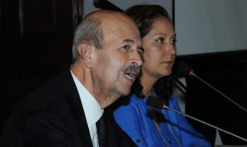 Fausto Vallejo y Lupita Santacruz rueda de prensa