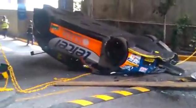 coche de rally seat se cae