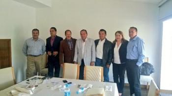 Silvano se reunió este sábado con Jesús Zambrano, dirigente nacional del PRD así como con líderes de su partido a nivel estatal incluido el ex gobernador Leonel Godoy