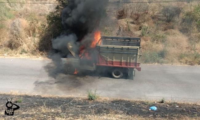 camioneta incendio cuatro caminos