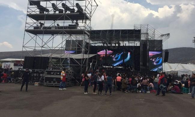 Maluma escenario dividido