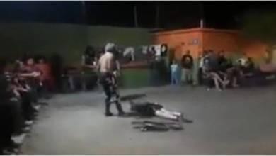Photo of #WTF! Imbécil Luchador Deja Inconsciente A Edecán Con Un Sillazo En Juárez