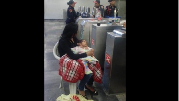 Padre Del Año: Abandona A Su Mujer Y A Su Bebé En Metro Tacubaya Para Irse De Parranda