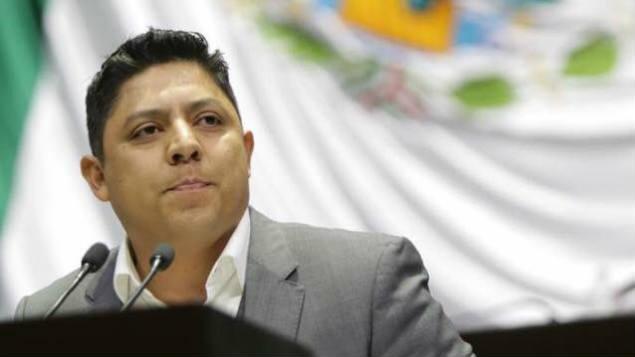 """#Vídeo Diputado De PRD Lo Ha """"Volvido"""" A Hacer Y Dice Tener Todo """"Resolvido"""""""