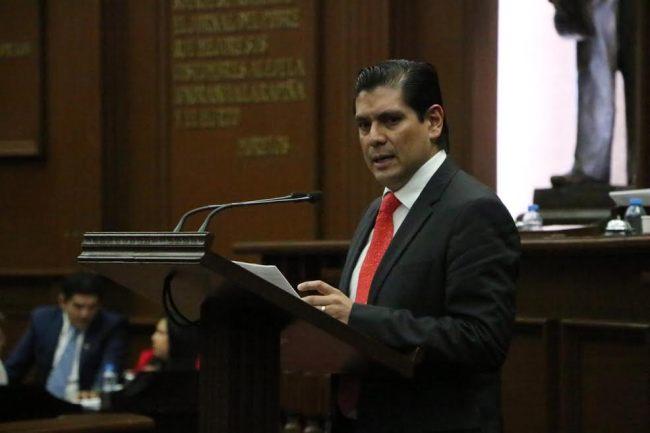 Ernesto Núñez presentó propuesta para reformar Código Penal estatal
