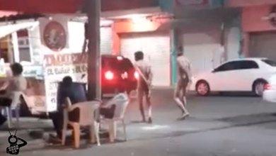 Photo of #Apatzingán Exhiben Desnudos A Rateros Y Reciben Tremenda Paliza