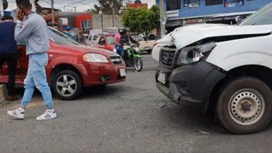 Photo of #Morelia Camioneta De Carga Le Da Un llegue A Carro En Prados  Verdes