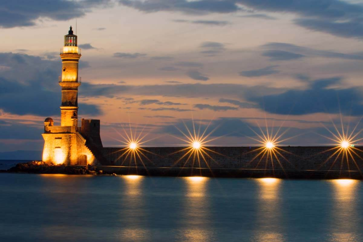 the-lighthouse-of-chania-after-sunset