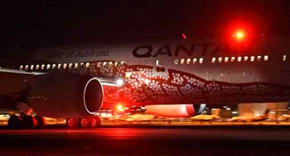 First Direct Australia-Europe Passenger Service Takes Off