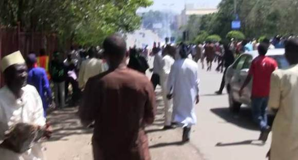 Shiites' Clash With Police In Pictures
