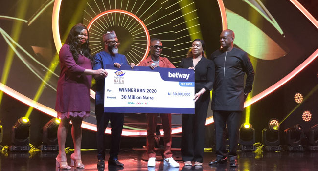 #BBNaija winner Laycon receives N30m cash, other prizes