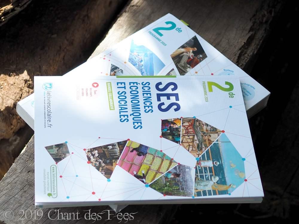 Manuels de SES et de Français seconde de chez Le Livre Scolaire