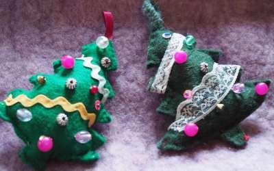 Tutoriel : réaliser en famille un sapin de Noël décoré, en feutrine !
