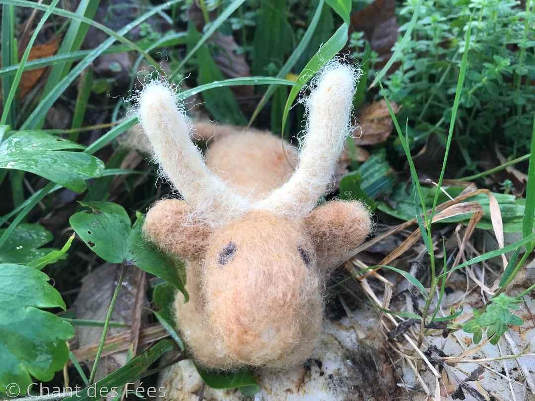Jour 8 : réaliser un boeuf en laine feutrée à l\'aiguille