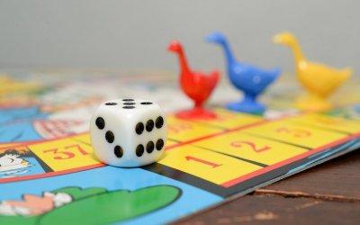 Des jeux pour l'été, en famille et avec trois fois rien ! Partie 4 : jeux de plateaux