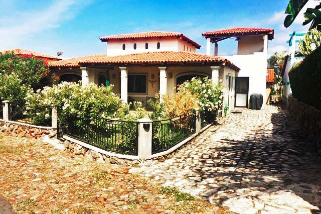 Learn About the Gated Community of El Parque