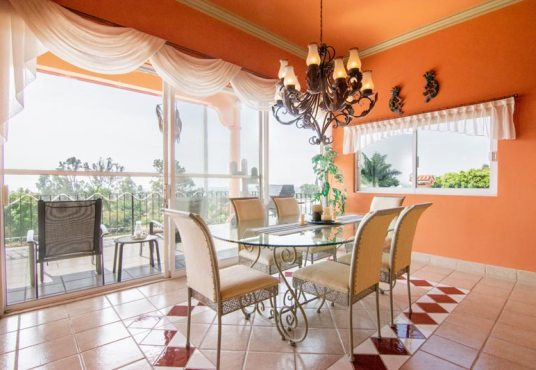 Nabe House for Sale Vista del Lago