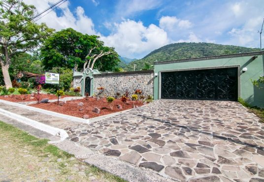 House for sale La Floresta Ajijic