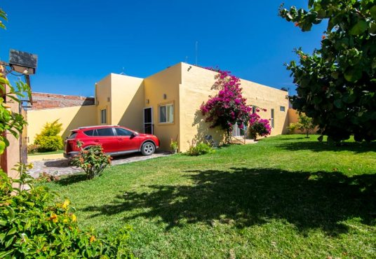 House for sale in San Nicolas